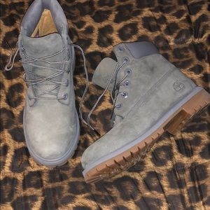 Timberlands grey/green in brand new condition!